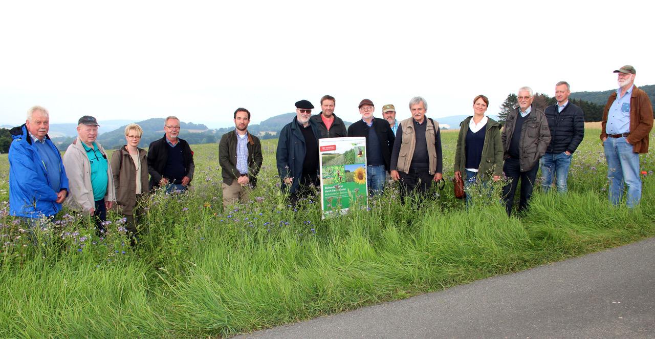2020/07 Pressemitteilung: Sechs Hektar Blühstreifen stoßen in Vlotho auf gute Resonanz