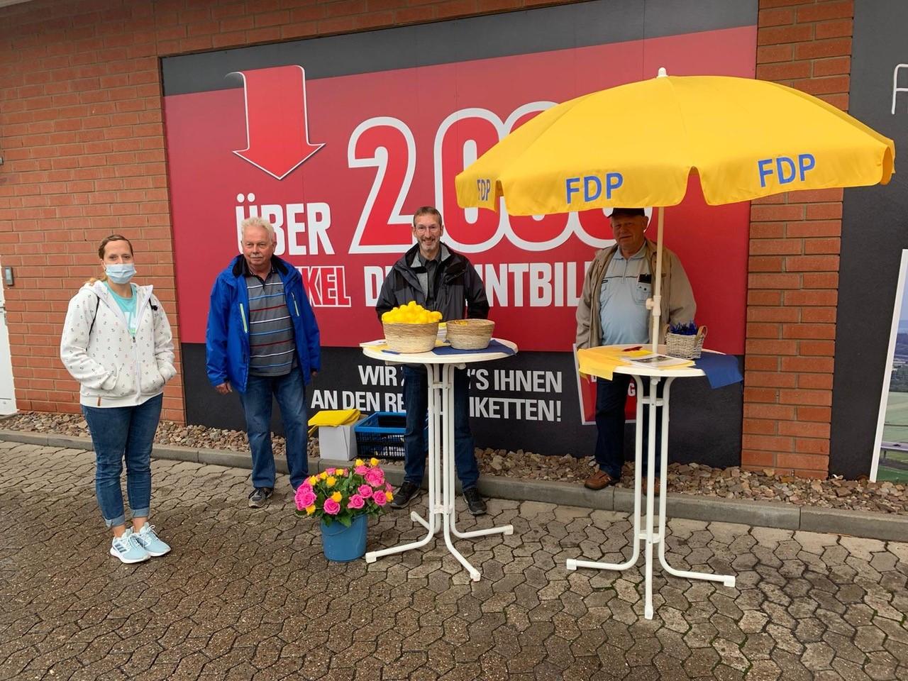 FDP Infostand am WEZ in Uffeln